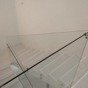 Ограждение лестницы без перила